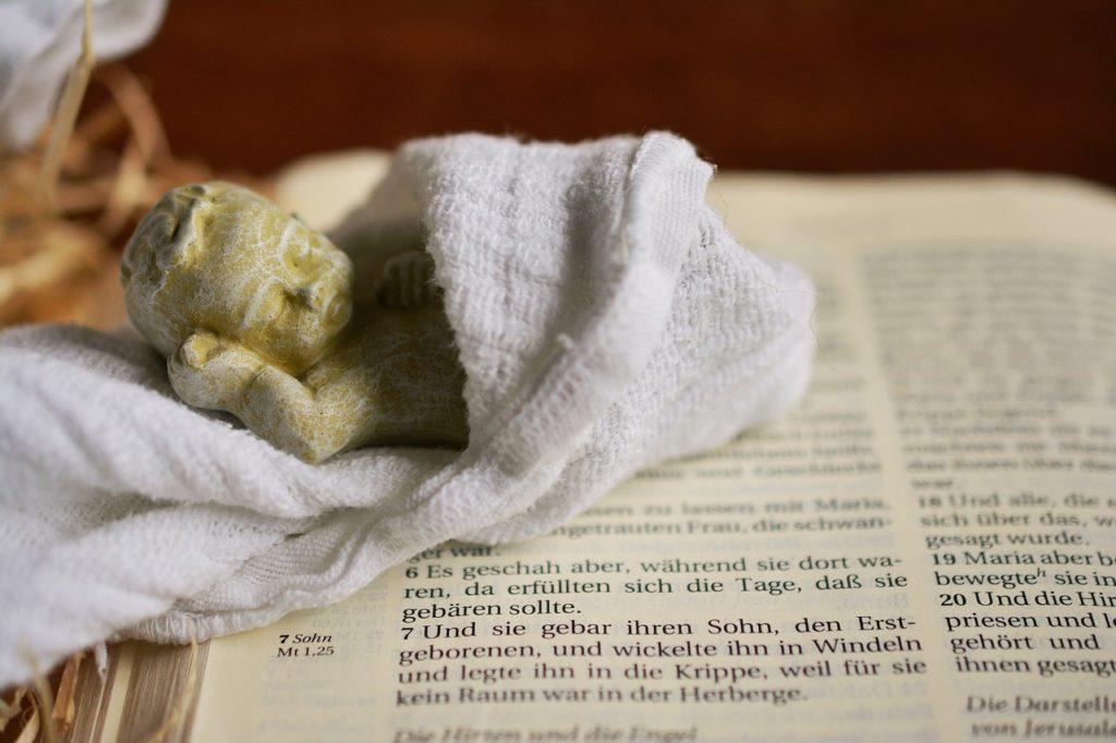 Biblia con los Misterios del Rosario