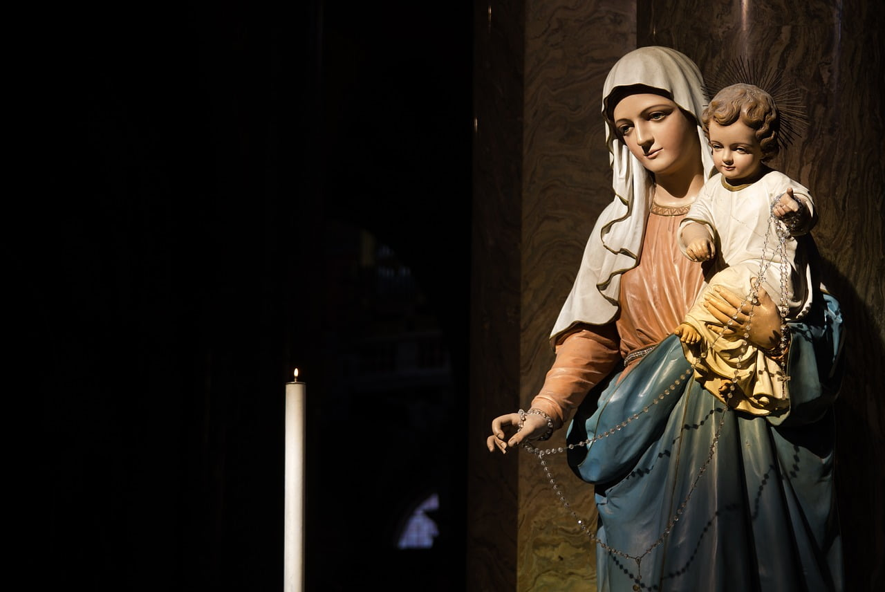 Virgen Misterios Gozosos lunes y sábados